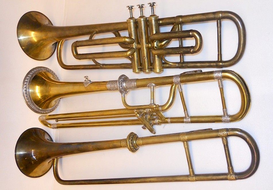 Valve, slide and invention trumpets by Antoine Courtois; these originals in the Klingendes Museum Bern, whose replicas by Egger can be hired out.